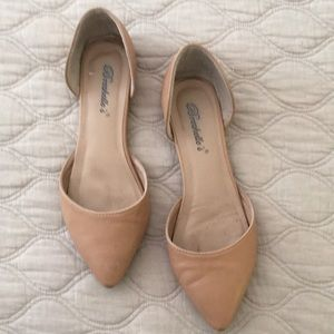 Breckelle's Beige D'orsay Flats